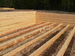 Будущий дом из сруба 6 на 6 метров, сруб на нашей стройплощадке